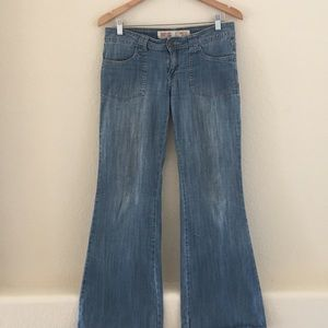 2/$15 Mossimo flared bottoms soft Jeans
